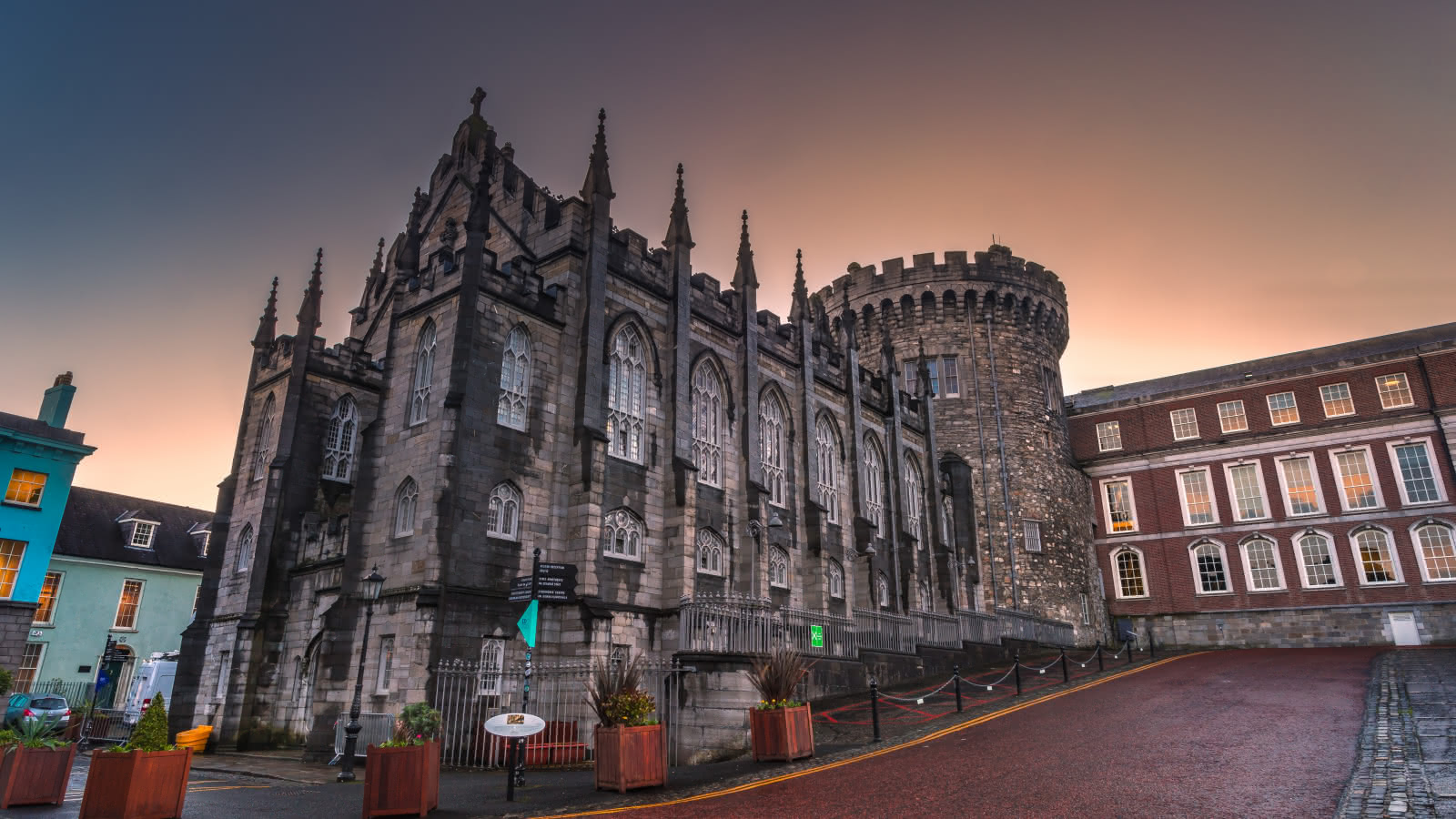 Discovering the dark history of Dublin Castle with the SANDEMANs