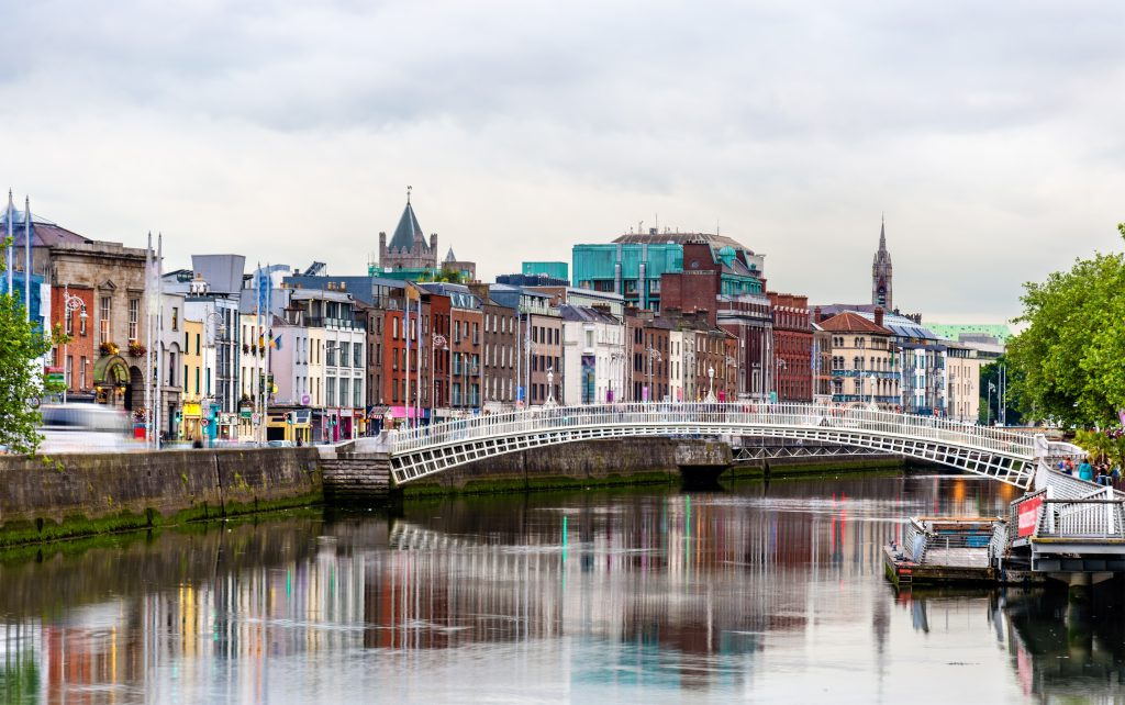 sandemans dublin walking tours