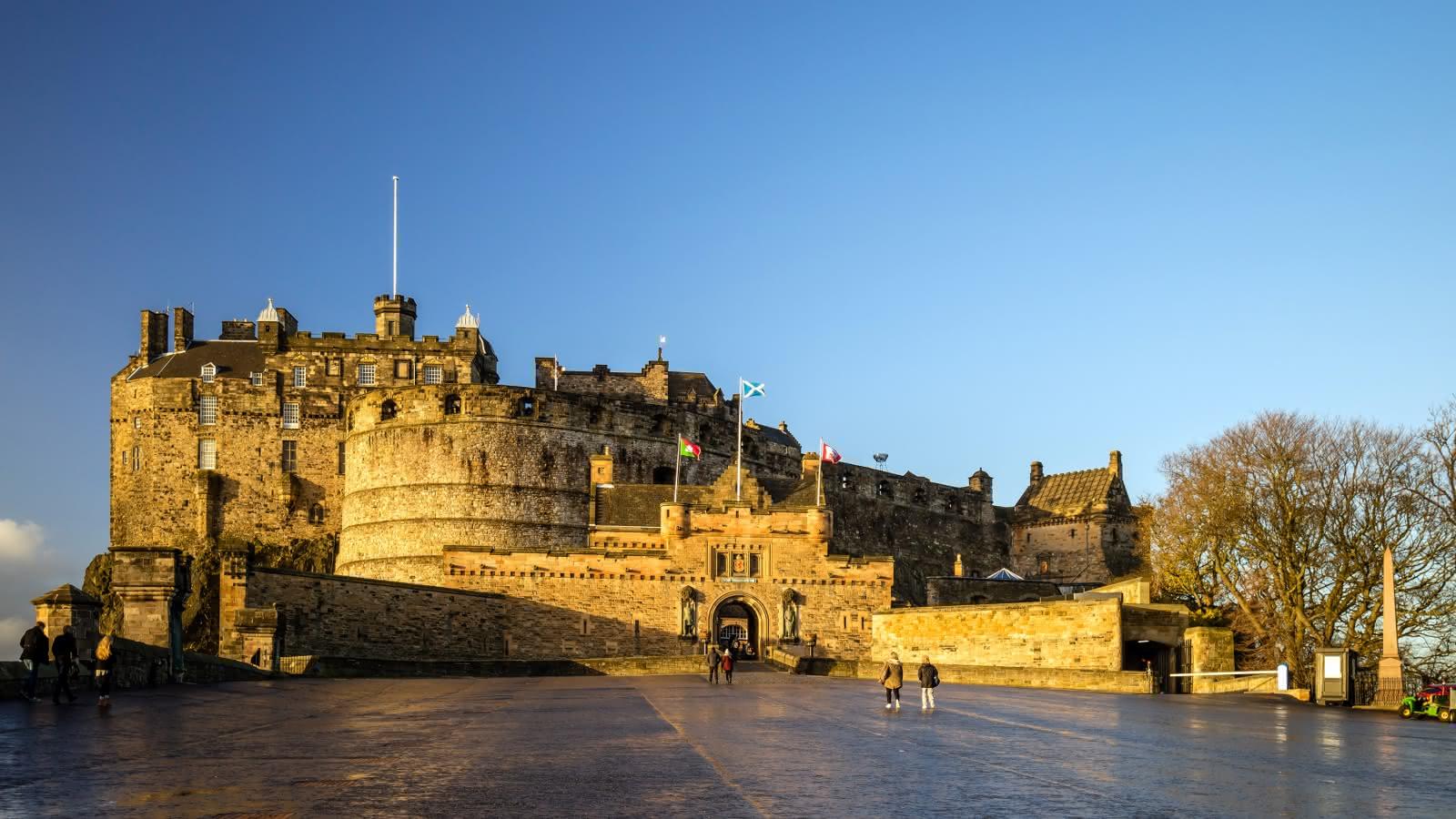 Edinburgh Castle Tour | SANDEMANs NEW Europe