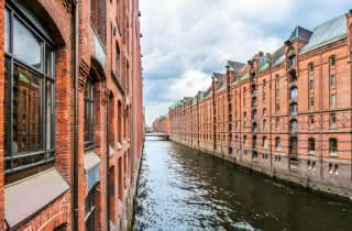sandemans hamburg free tour