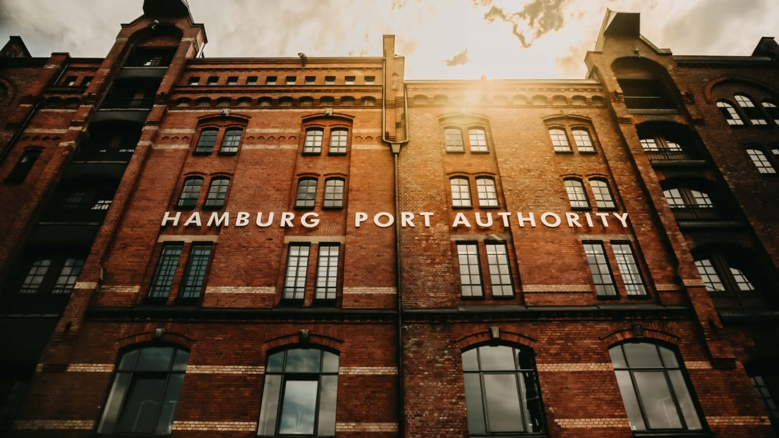 sandemans hamburg warehouse district tour