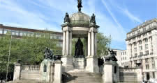 queen victoria monument liverpool