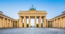 Brandenburg Gate where the berlin free tour starts