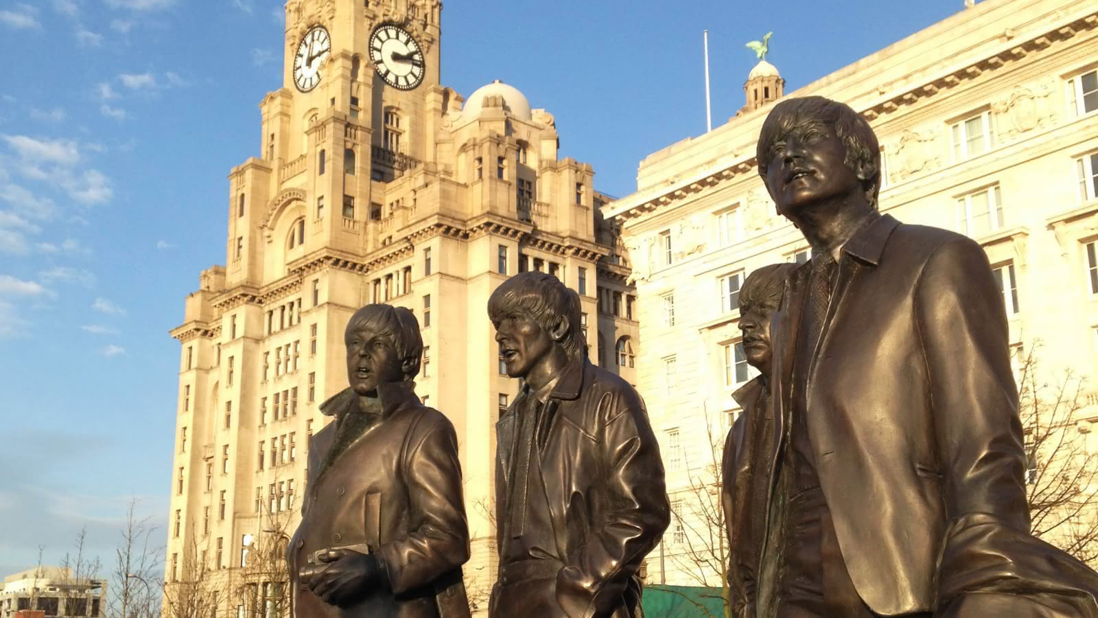 Estatuas de bronce de los cuatro Beatles en Liverpool