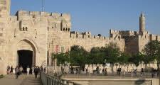 Punto de encuentro del Tour del Monte de los Olives delante de laPuerta de Jaffa