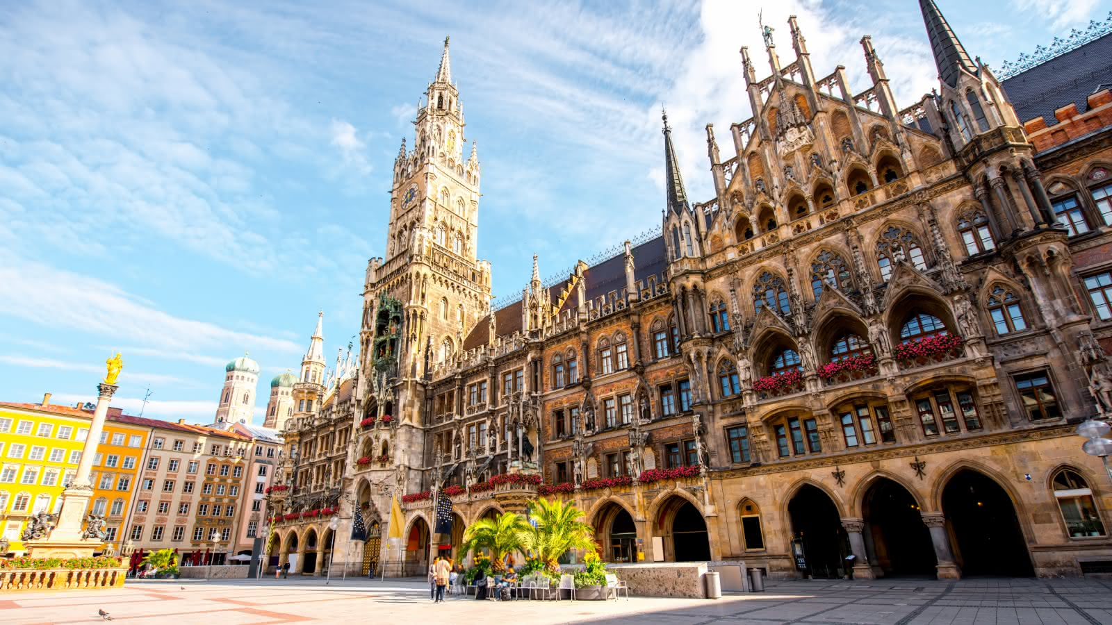 munich free tour meeting point in marientplatz