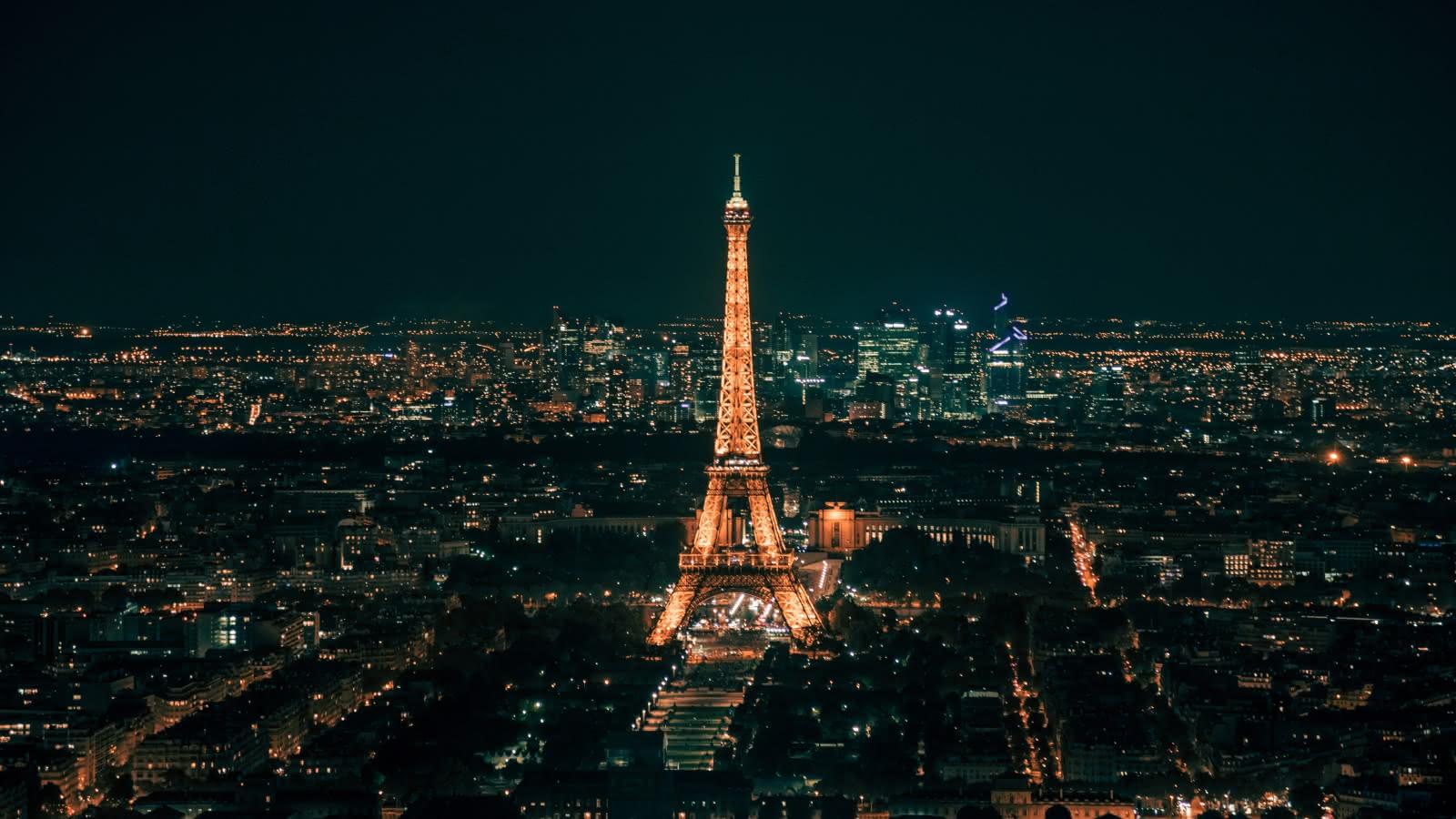 paris city of lights evening tour