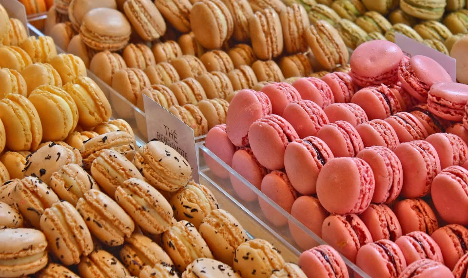 where to eat macaroons paris travel guide