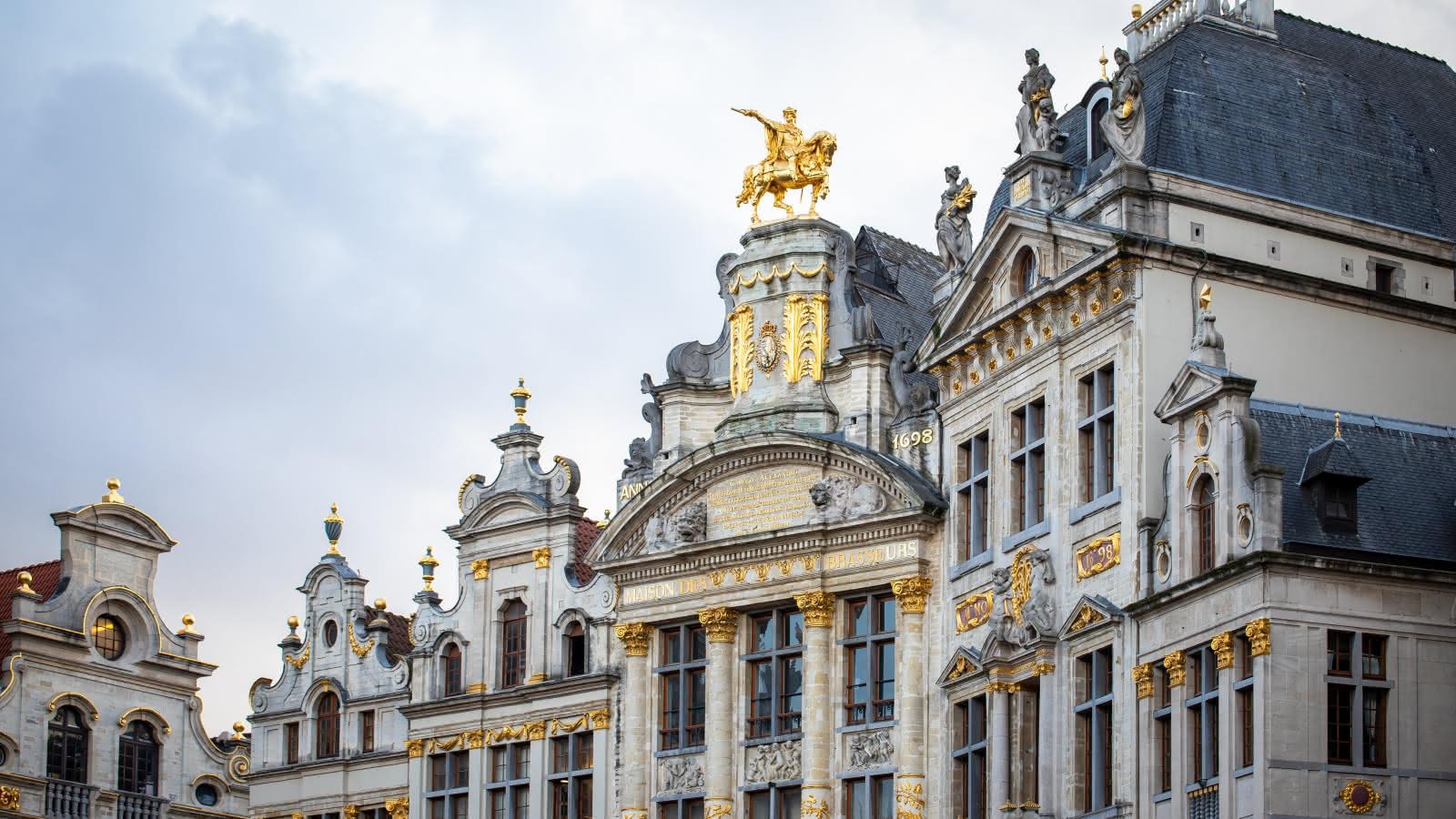 brussels walkings tours grand place buildings