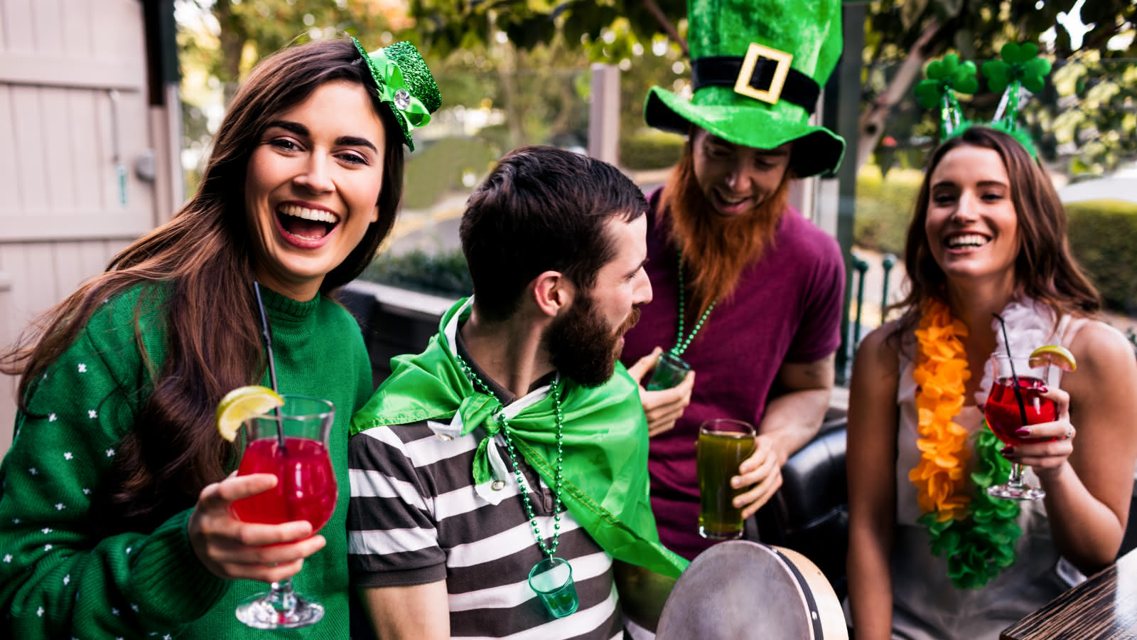 st patrick's day pub crawl