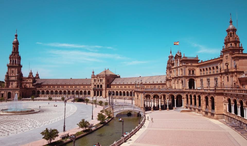 seville top attractions plaza de españa